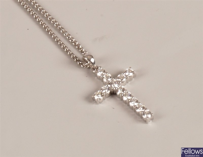 18ct white gold round brilliant diamond set cross