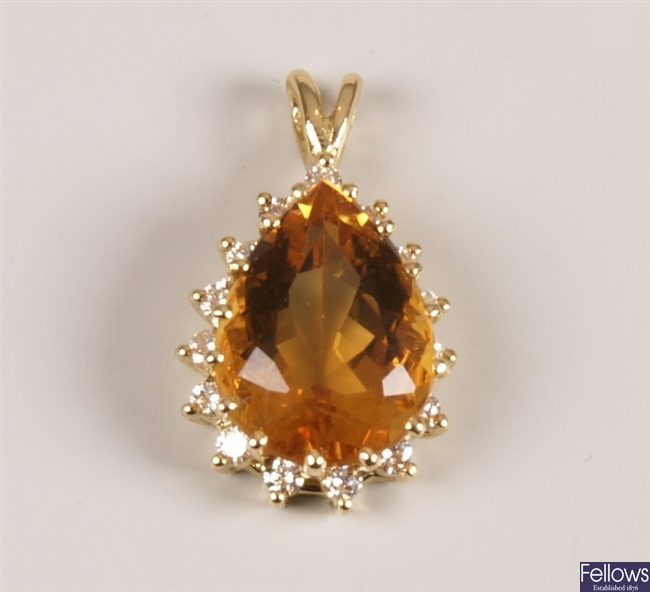 18ct gold citrine and diamond cluster pendant
