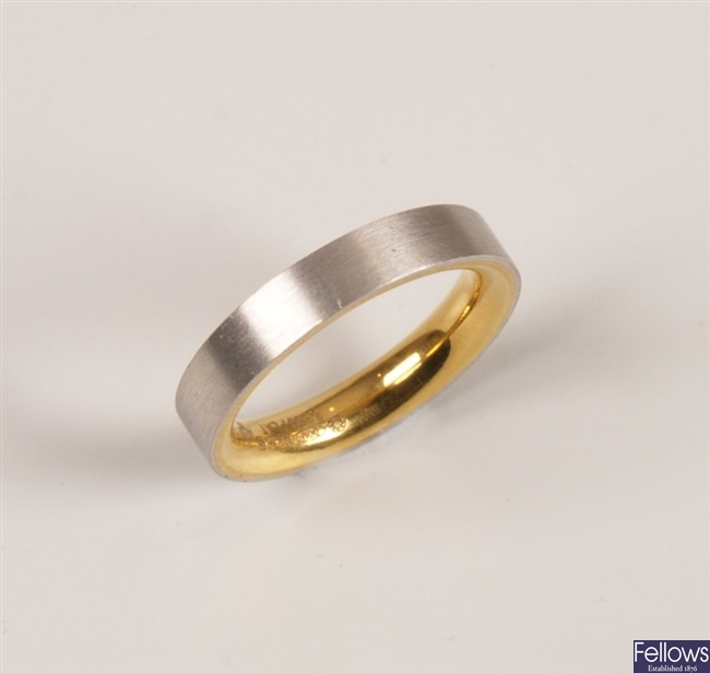 Platinum band ring lined with 999 quality gold,