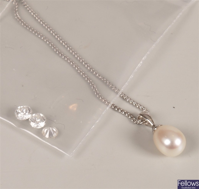 18ct white gold cultured pearl pendant on a