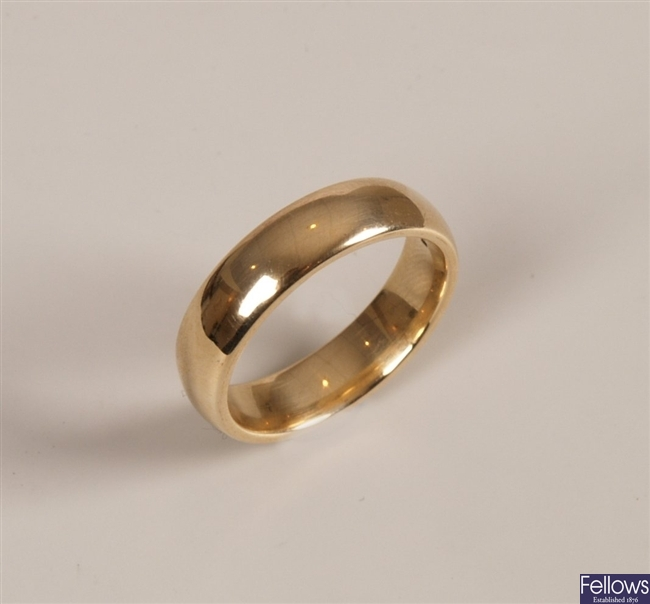 9ct gold gentleman's wedding band ring. Weight -