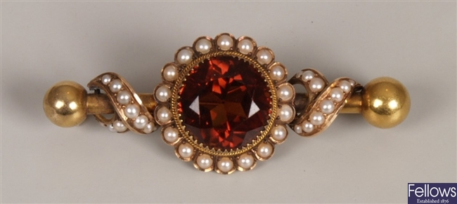 Victorian citrine and seed pearl set brooch