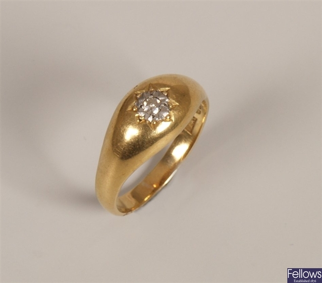 18ct gold gentleman's signet ring with an
