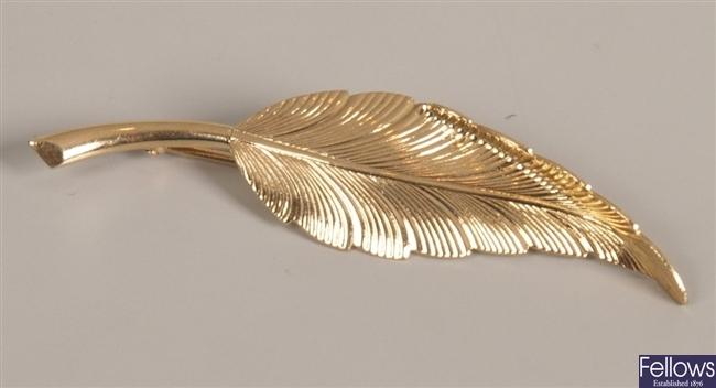 Tiffany & Co leaf brooch, weight 4.55 grams.