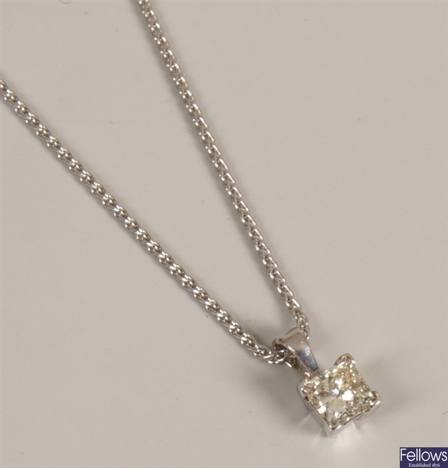 18ct gold single stone diamond pendant seta