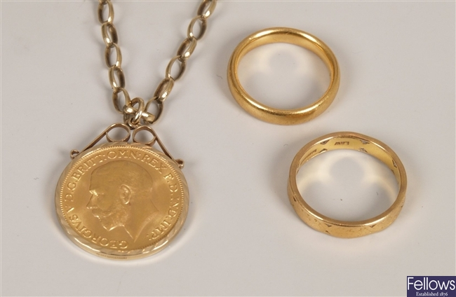 George V full sovereign mounted as a pendant in