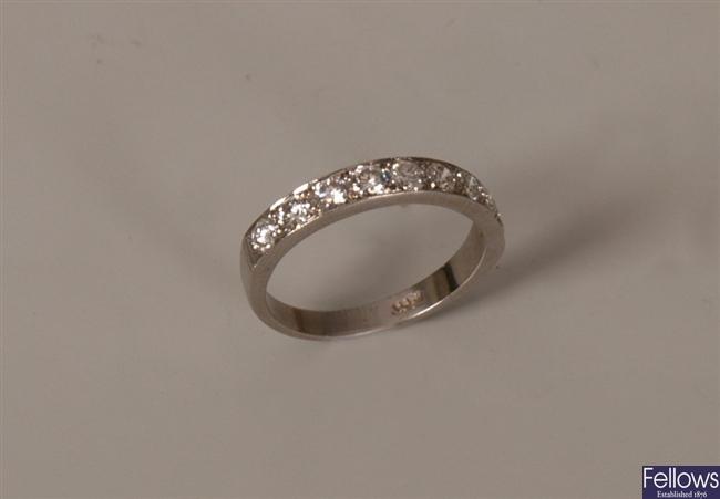 18ct gold nine stone round brilliant diamond set