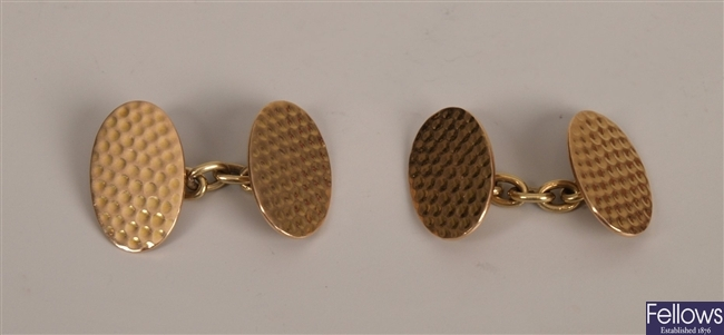 Pair of 15ct gold chain link cufflinks of oval