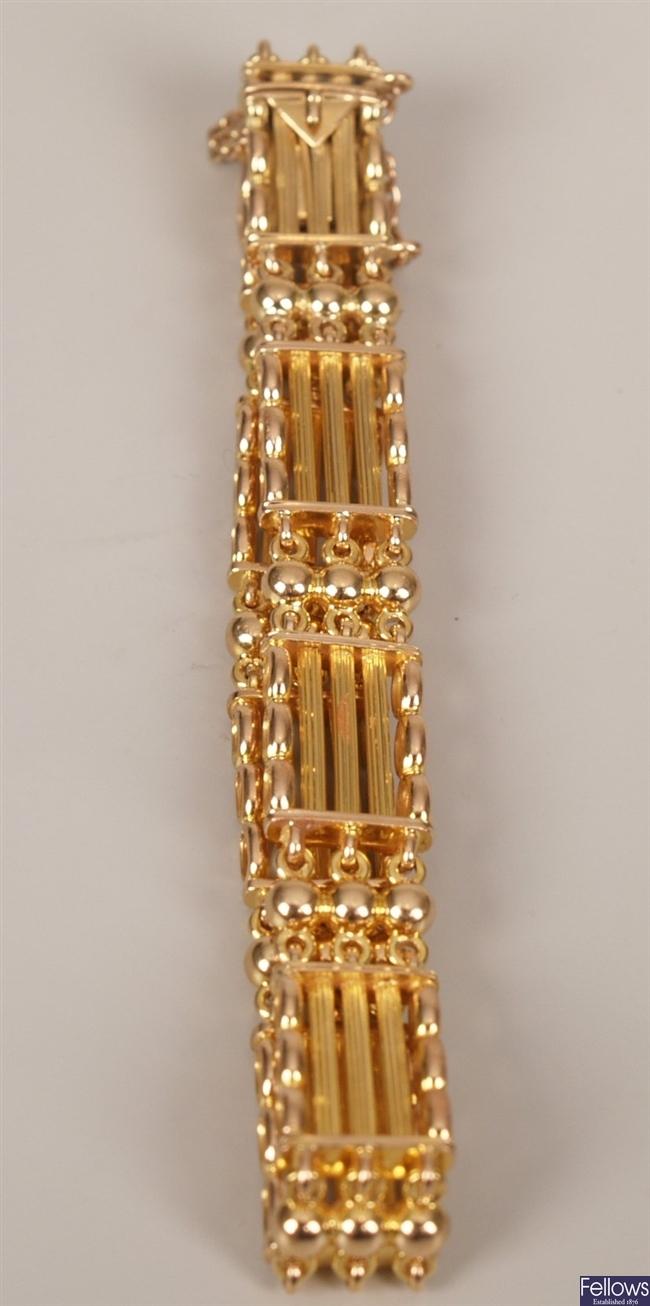 15ct gold fancy five bar gate bracelet, weight