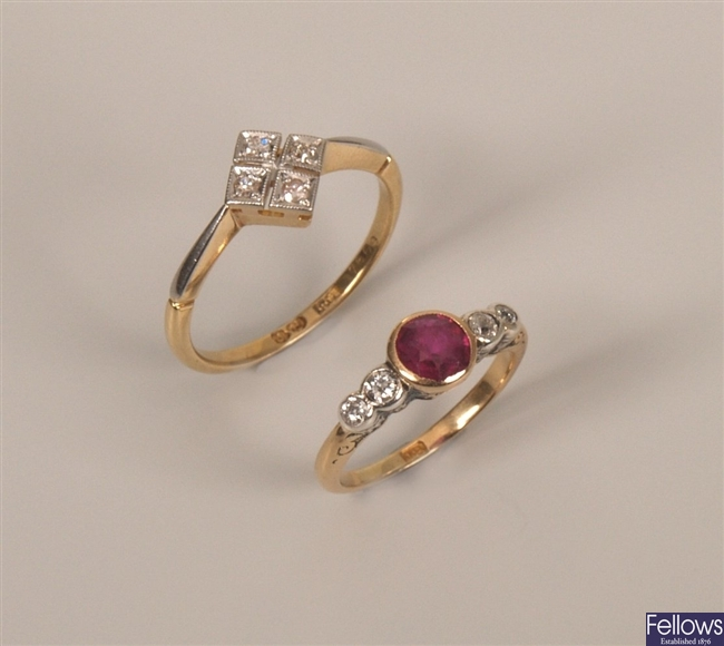 Two 18ct gold rings to include a four stone