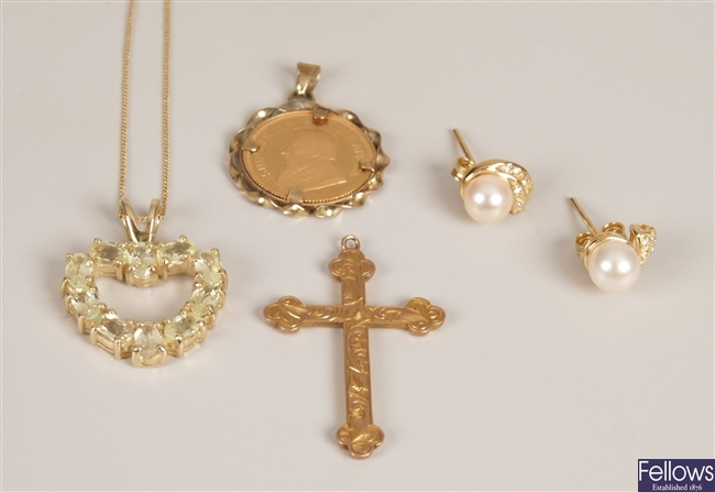 Four items of jewellery, to include a 9ct gold