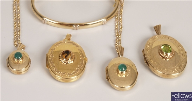 Five 9ct gold items, to include a 9ct gold oval