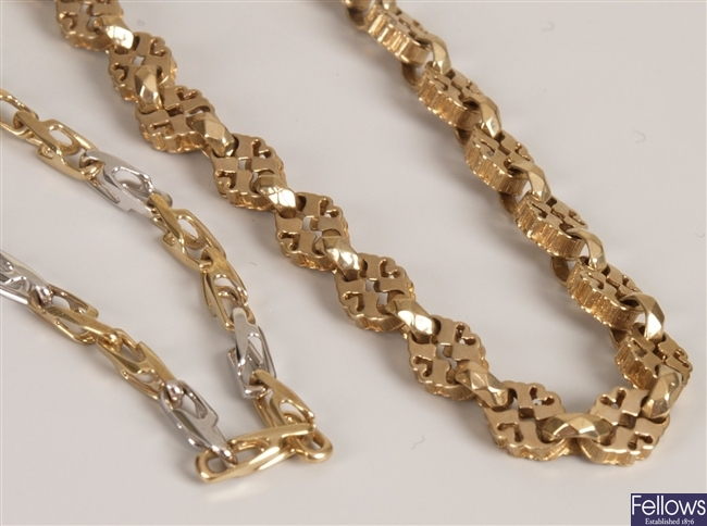 Two 9ct gold chain link necklaces, to include a