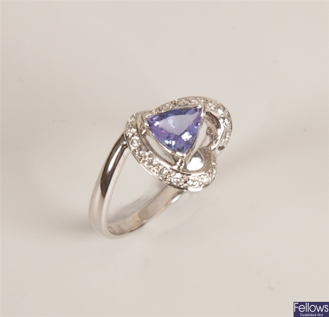 18ct white gold tanzanite and diamond cluster