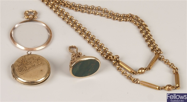 Four items, to include a faceted belcher link
