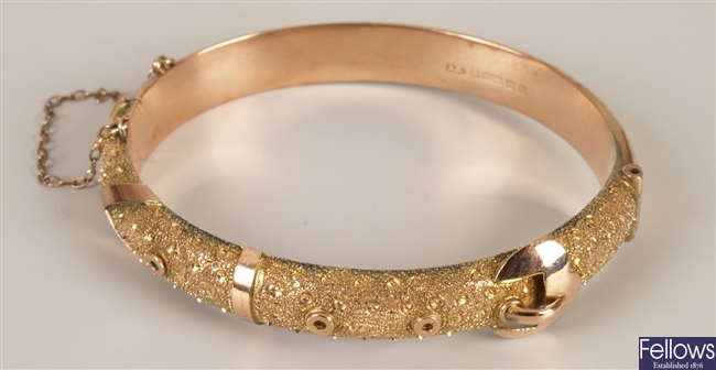 9ct gold buckle design hinged bangle with