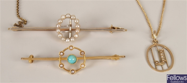 Edwardian 15ct gold oval brooch with split pearl