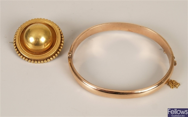 Two items of jewellery to include a Victorian