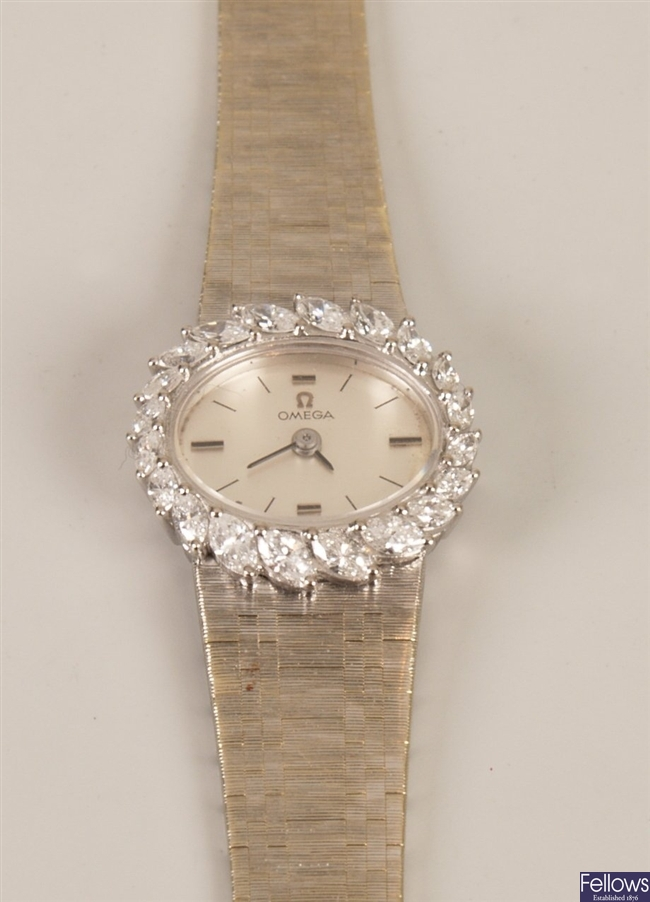 18ct white gold lady's Omega wristwatch with an