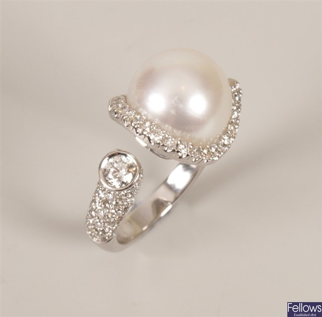 18ct white gold cultured pearl and diamond set