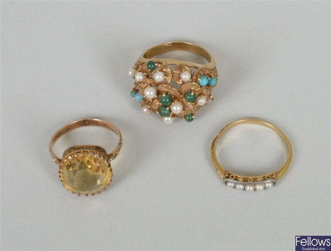 Three rings, to include an early 20th century 9ct
