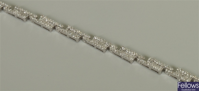 18ct white gold diamond bracelet, each link with