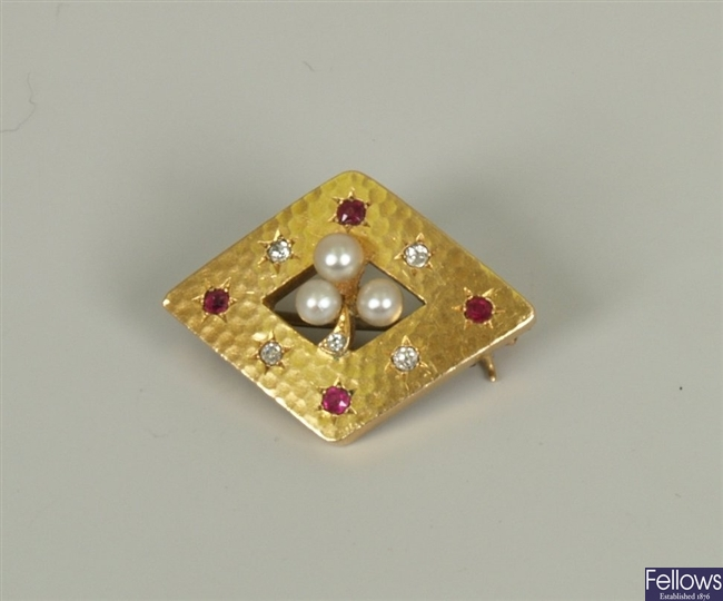 A continental early 20th century cultured pearl,