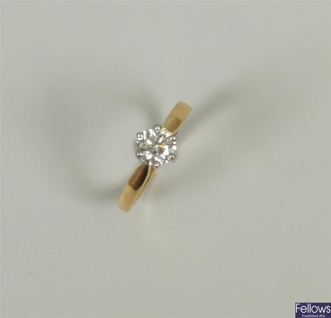 18ct gold single stone round brilliant diamond