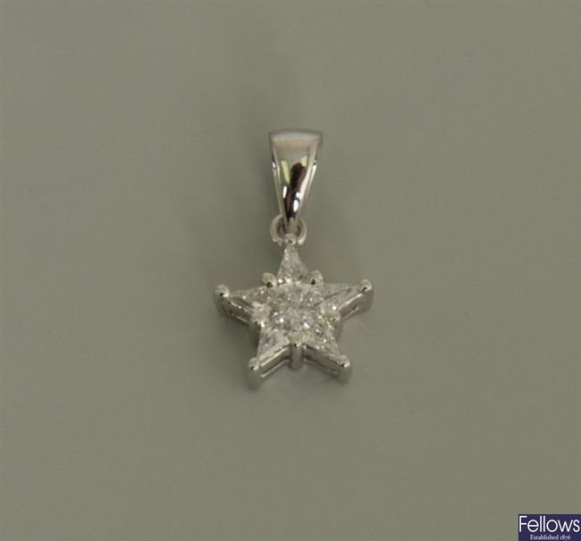18ct white gold diamond star pendant set kite