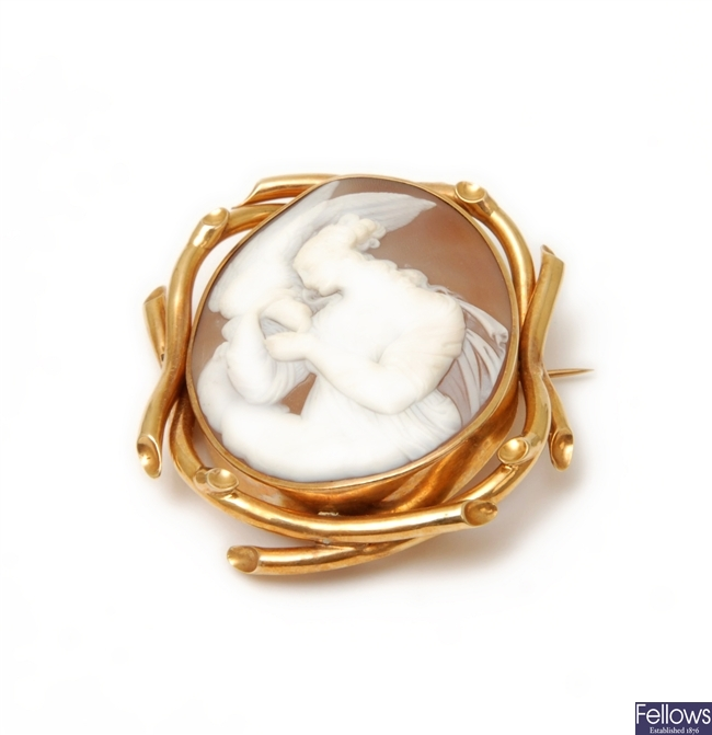 An oval mounted cameo brooch depicting Hebe