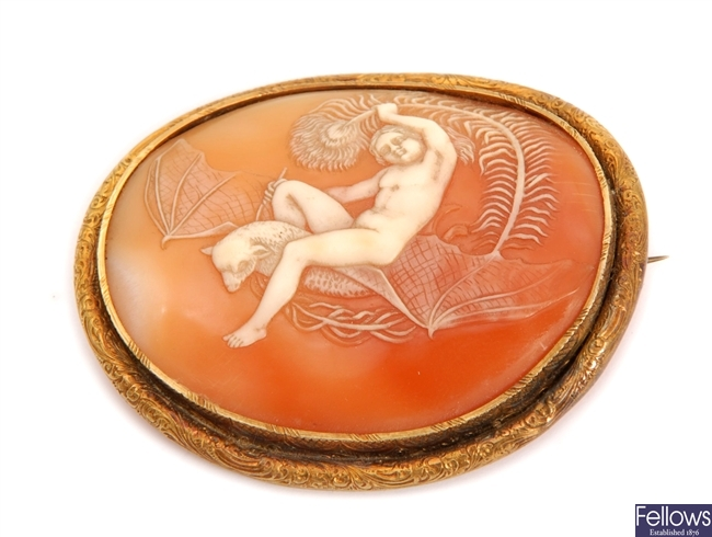 A Victorian oval shall cameo of a naked female