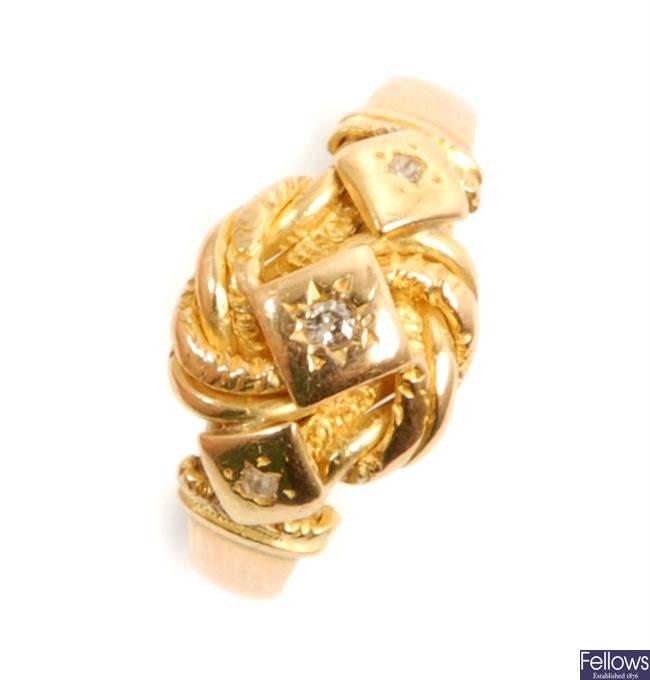 An 18ct gold Edwardian diamond set ring,