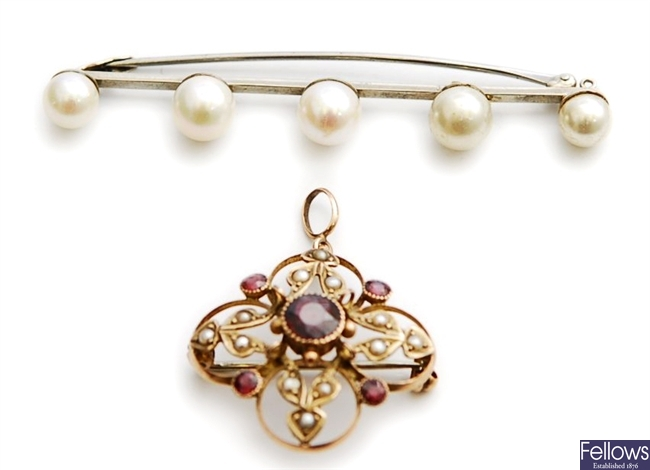 Two brooches, to include a cultured pearl set bar