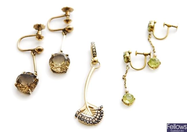 Three items, to include a pair of smokey quartz
