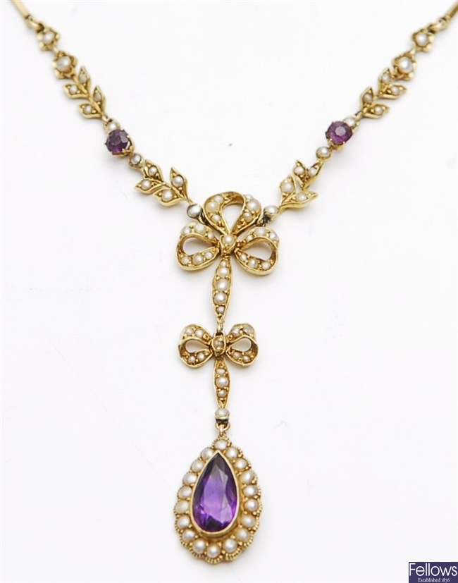 An Edwardian 15ct gold amethyst and split pearl