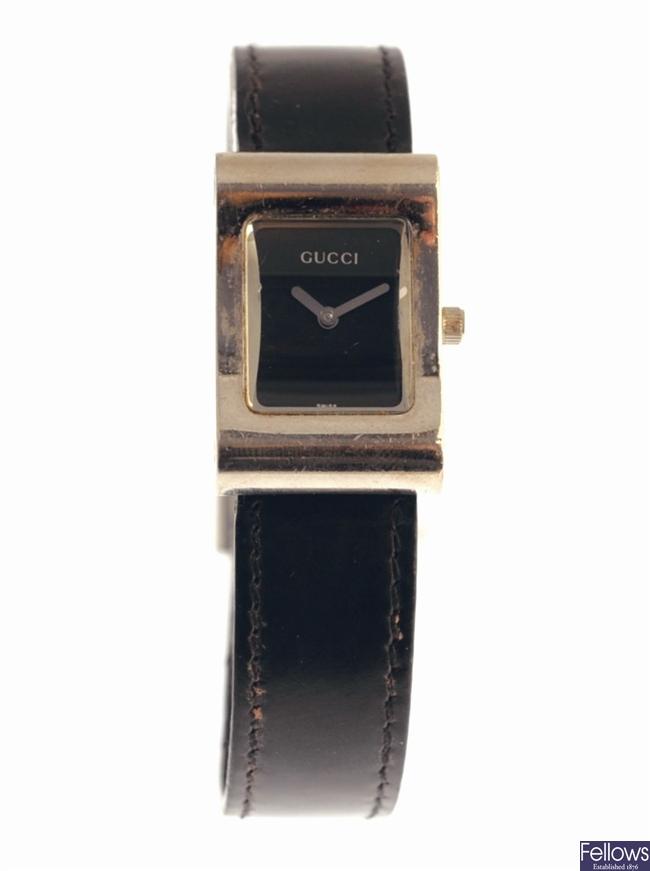 GUCCI - a stainless steel quartz lady's wrist