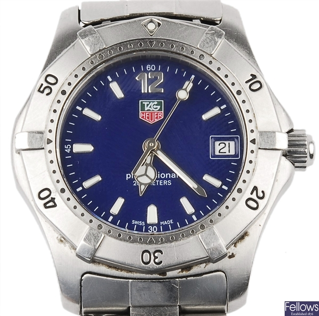 TAG HEUER - a stainless steel quartz mid size