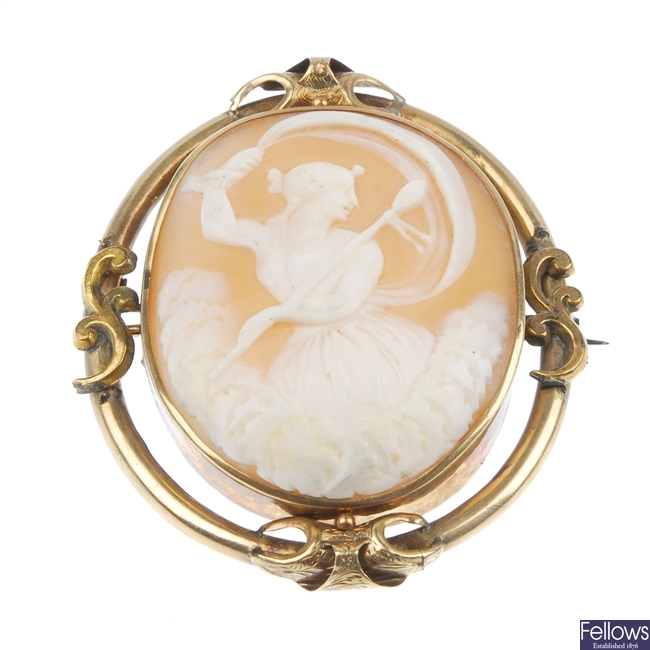 Two cameo brooches.