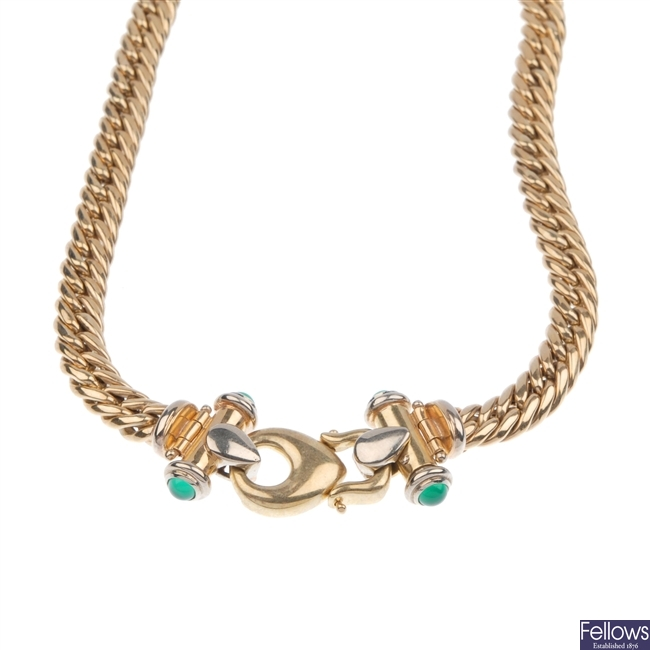A curb link necklace.