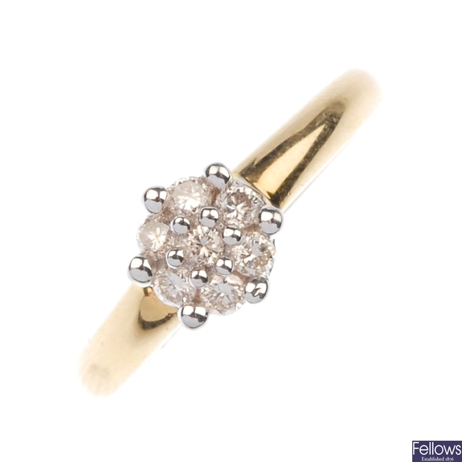18ct gold diamond cluster ring.