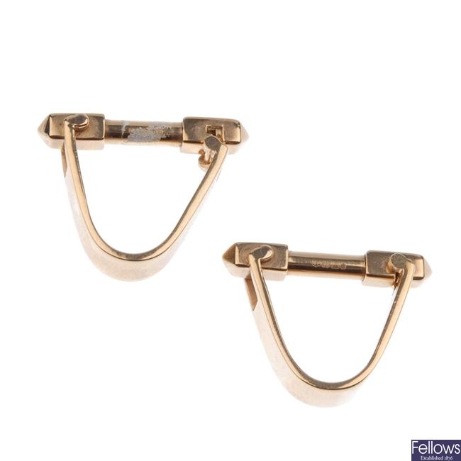 9ct gold cufflinks.