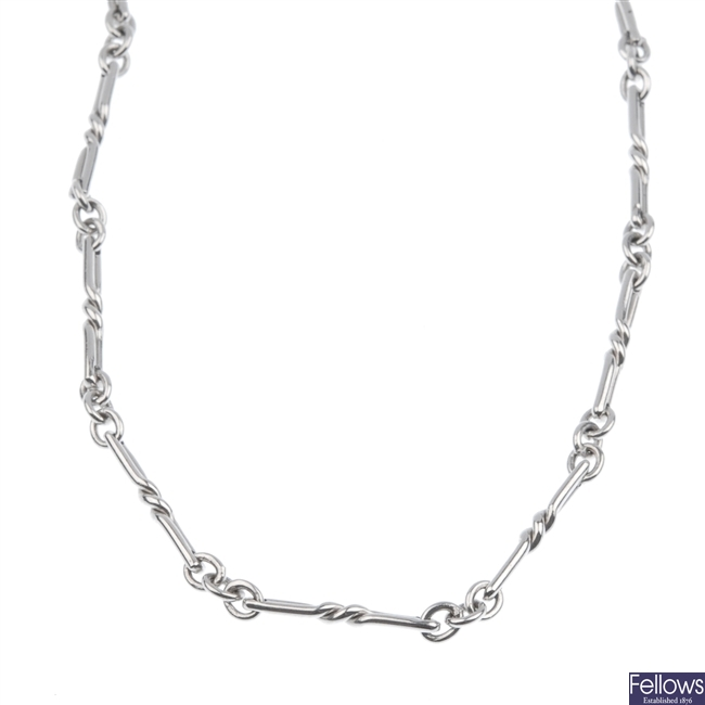 9ct white gold fancy link chain.