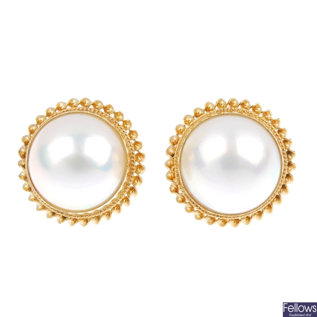 Lot 256 9ct Gold Mabe Pearl Earrings