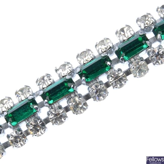 Quantity of paste jewellery.