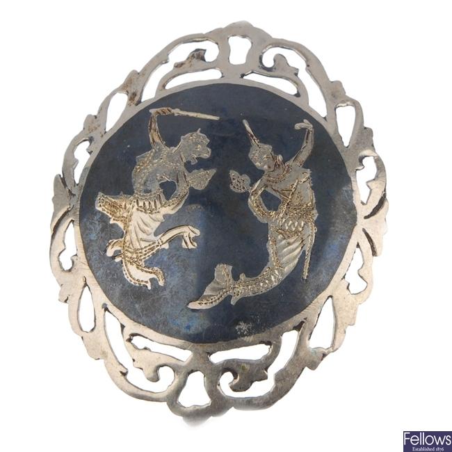 A quantity of silver Siam jewellery.