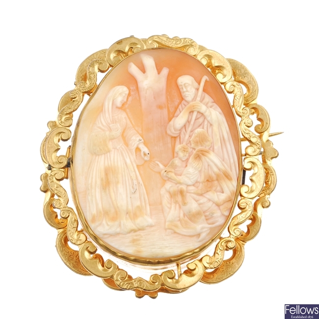 A shell cameo brooch.