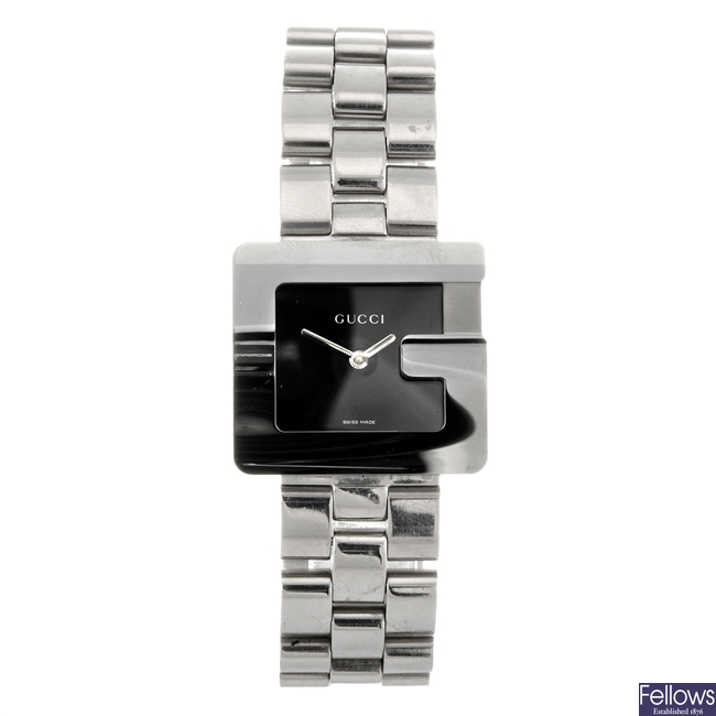 A stainless steel quartz Gucci 3600J bracelet watch.