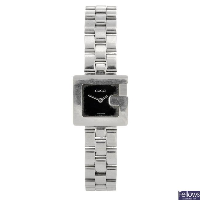 A stainless steel quartz lady's Gucci 3600L bracelet watch.