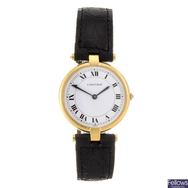 (BT10) An 18k gold quartz gentleman's Cartier wrist watch.