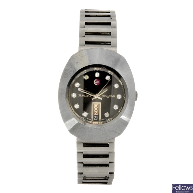 A stainless steel automatic gentleman's Rado Diastar bracelet watch.